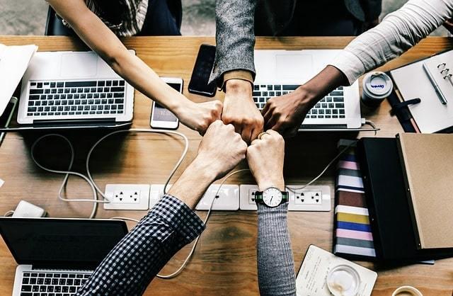clientes b2b, empresas b2b, comunidades online, grupos online